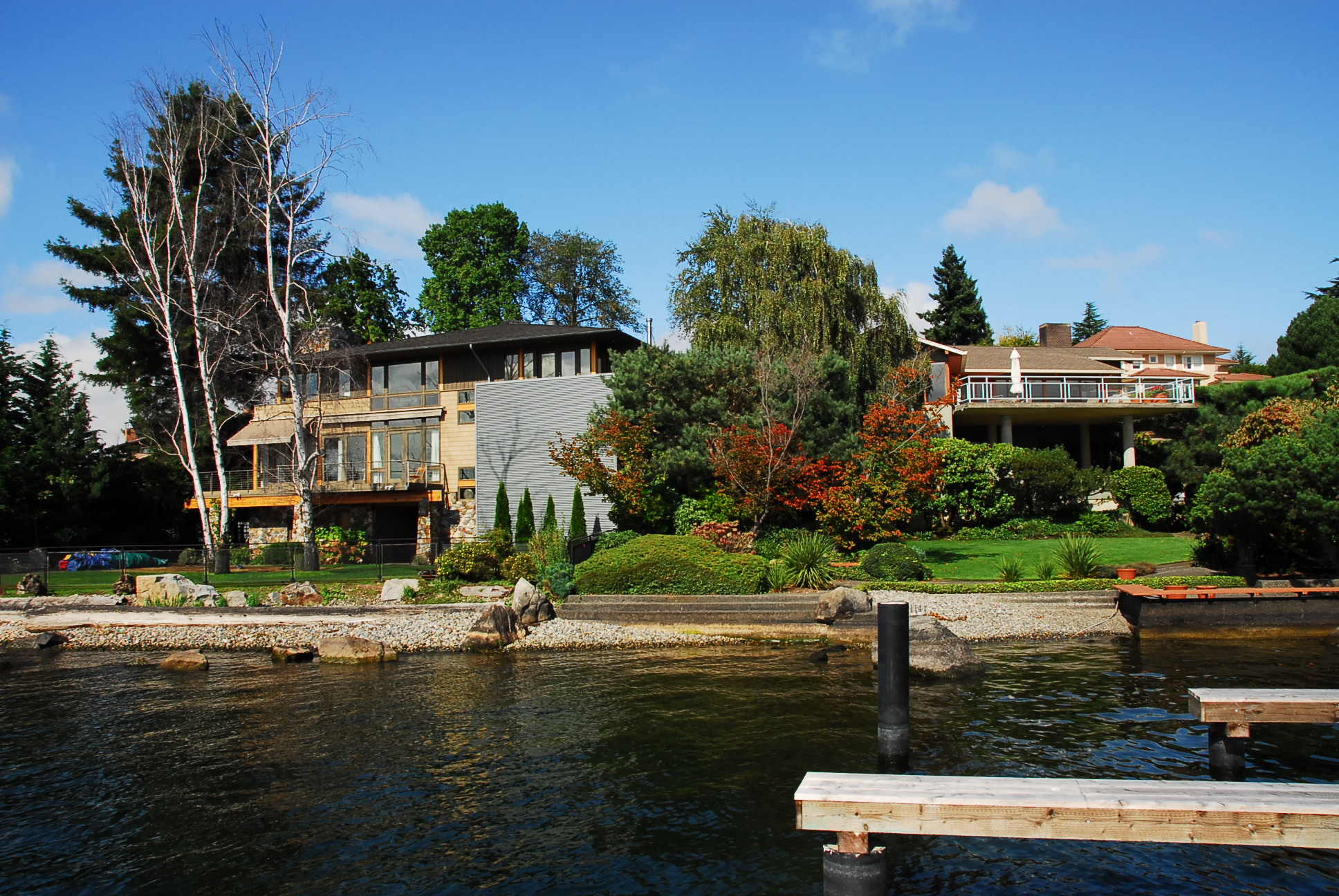 Seattle waterfront homes puget sound lake washington for New home builders in seattle area